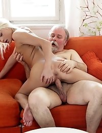 Tanya knew that her old goes young boss loved blowjobs. She wanted to show him he was not wrong to choose her so she gave him his best one yet.